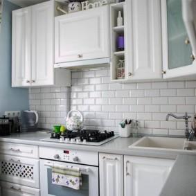 угловая кухня с мойкой в углу идеи интерьер