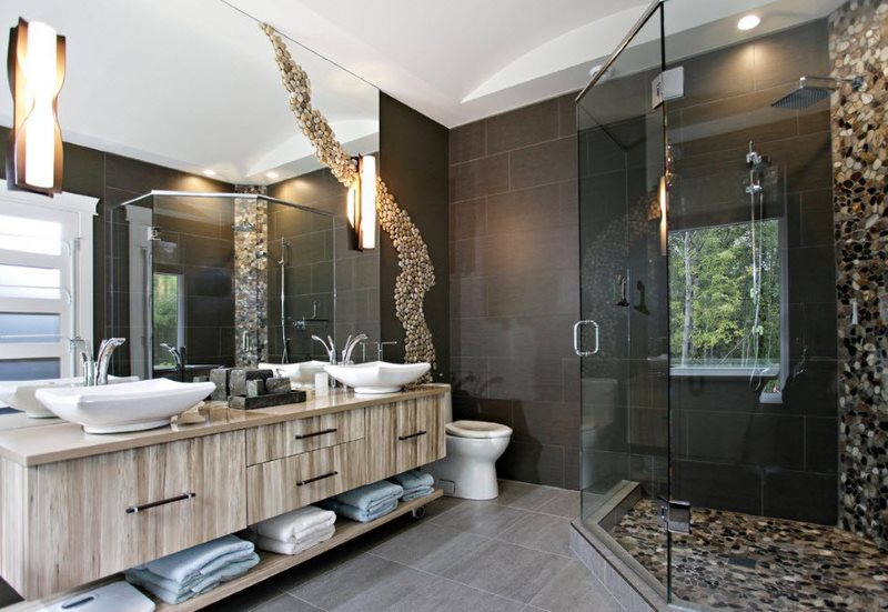 Интерьер санузла с душем в стиле модерн