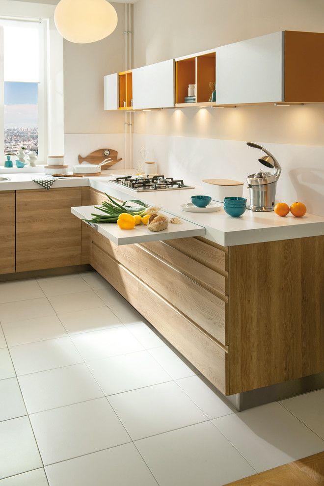 Кухонный гарнитур с выдвижной доской