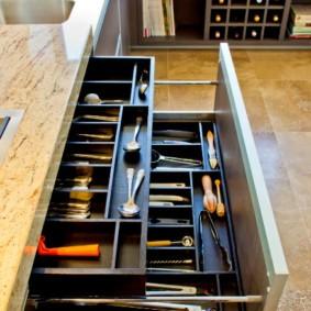 Идеальный порядок в кухонных ящиках