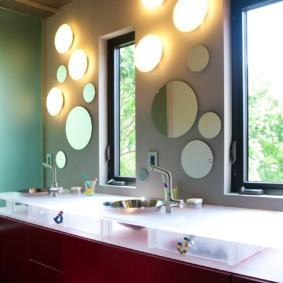 высота зеркала над раковиной в ванной идеи фото