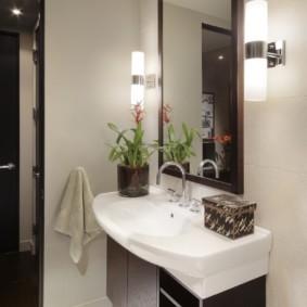 высота зеркала над раковиной в ванной оформление идеи