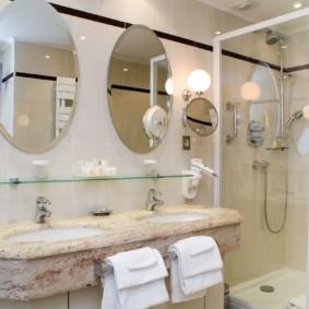 высота зеркала над раковиной в ванной виды фото