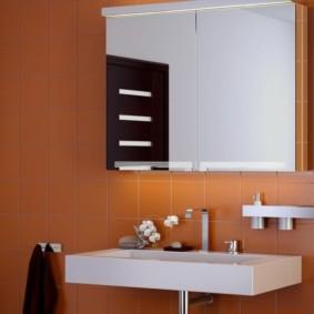 высота зеркала над раковиной в ванной виды идеи