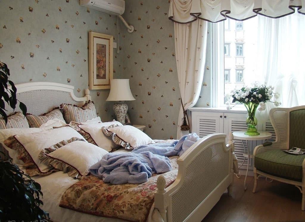 Подбор штор для спальни в стиле кантри