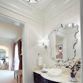 зеркало в ванной в раме