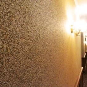 жидкие обои в коридоре дома