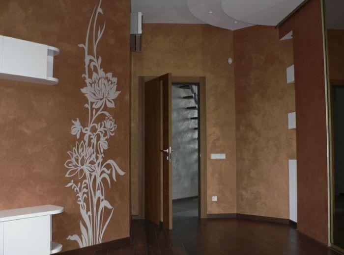 жидкие обои в коридоре с рисунком