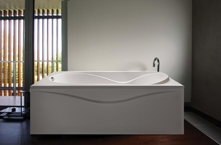 Акриловая ванна в минималистическом стиле