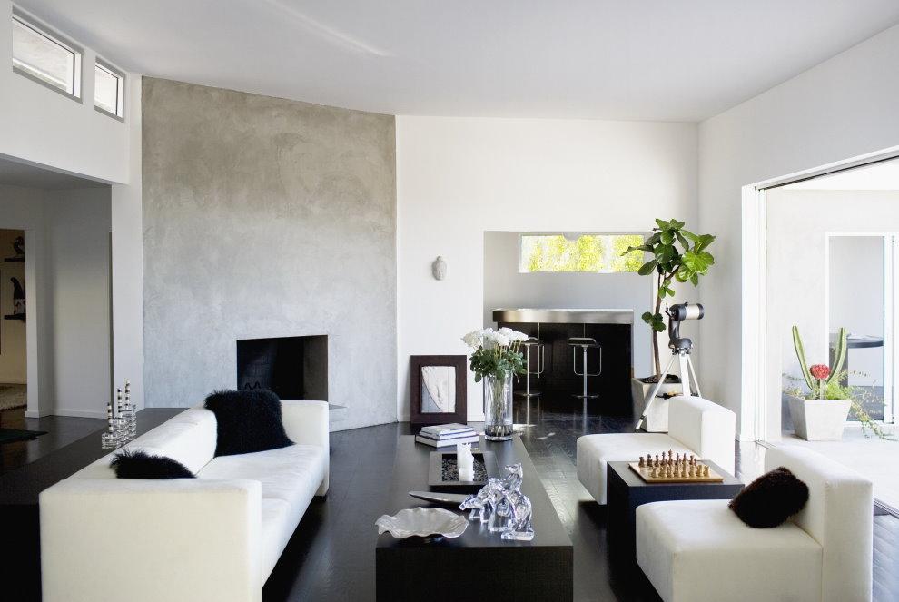Черный пол в гостиной с белыми стенами