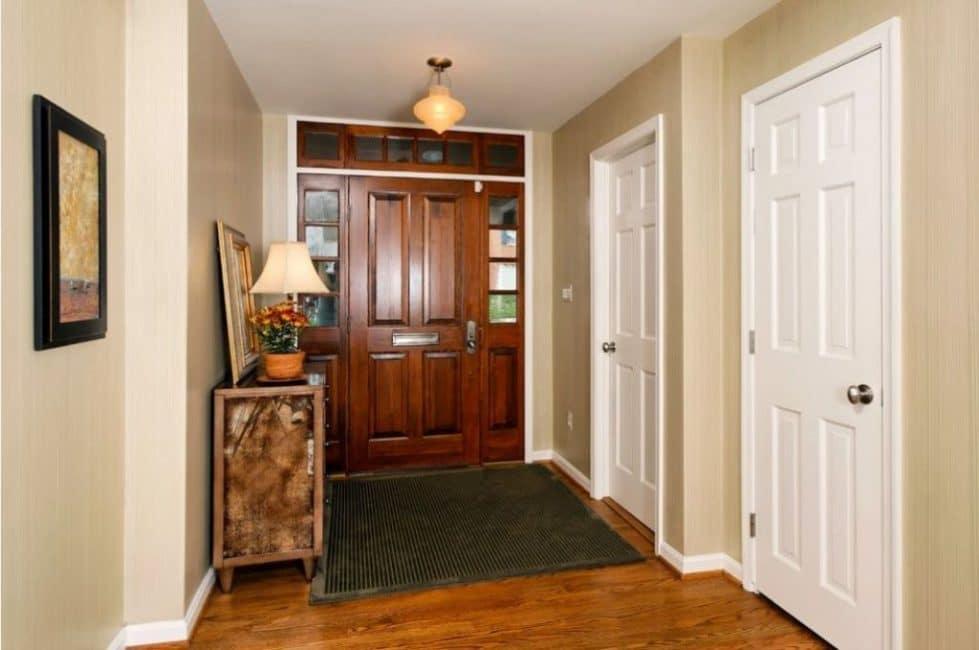 Филенчатые двери из массива дерева