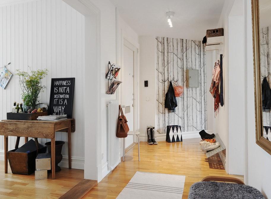 Деревянный пол в прихожей скандинавского стиля