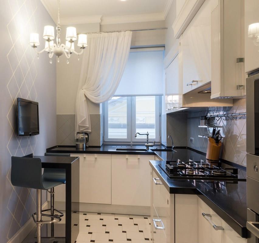 маленькая кухня с барной стойкой в панельном доме