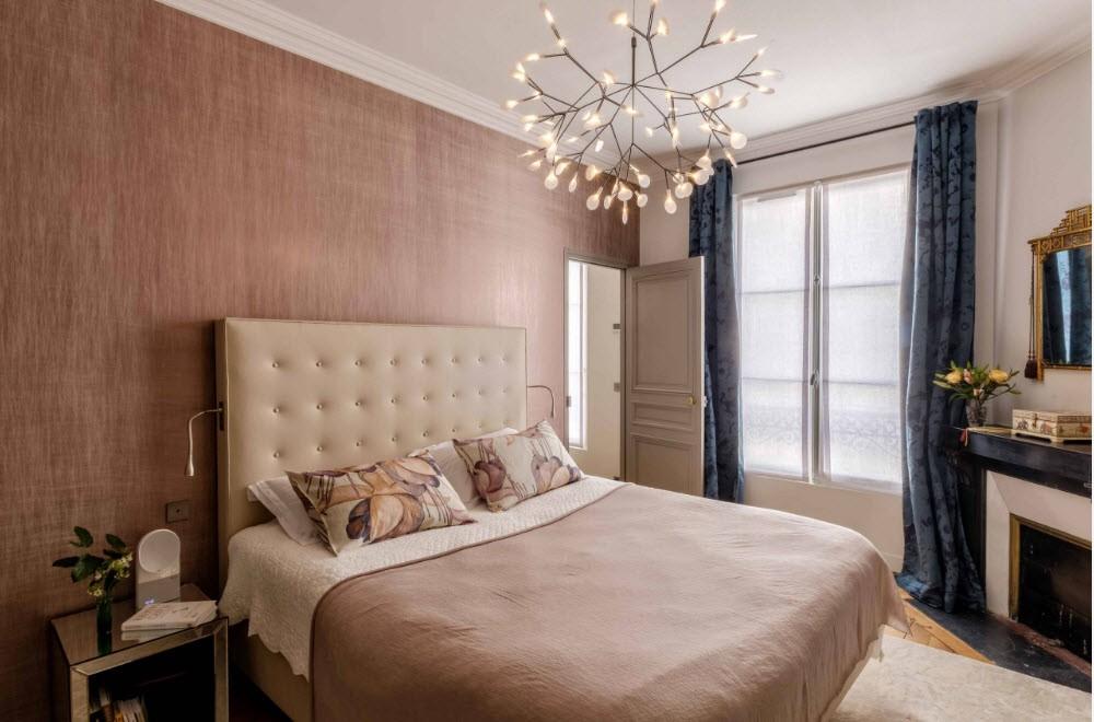 спальня 16 кв метров прикроватные тумбочки