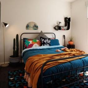 спальня 16 кв метров яркий декор