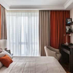 дизайн спальни 14 кв м шторы