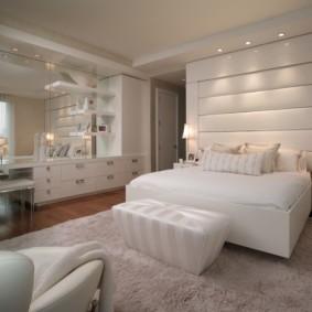 современная спальня в светлых тонах фото варианты