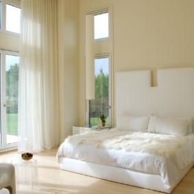 современная спальня в светлых тонах виды оформления