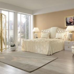 современная спальня в светлых тонах декор идеи
