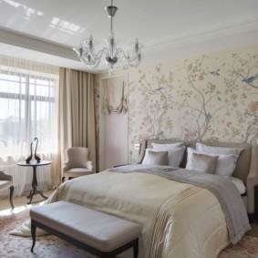 современная спальня в светлых тонах декор
