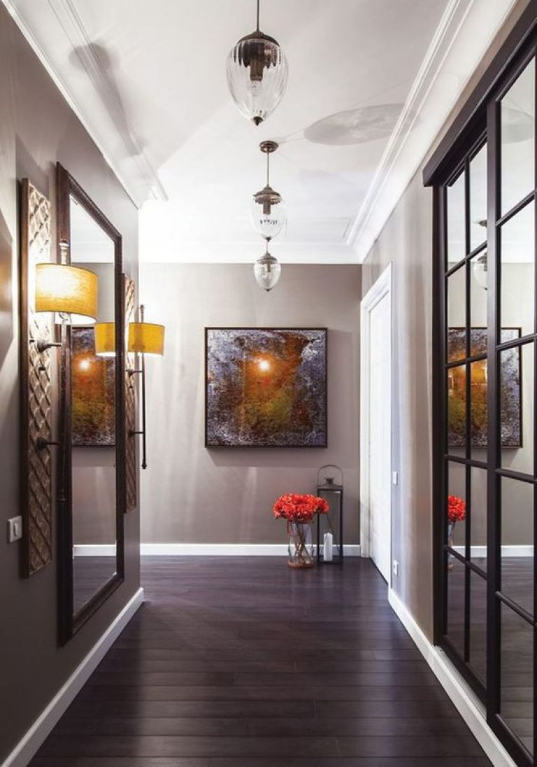 узкий коридор в квартире панельного дома