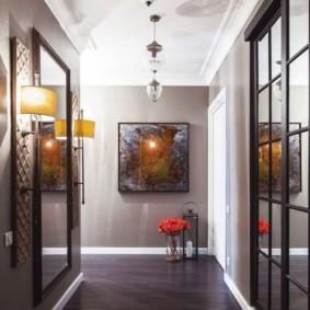 длинный узкий коридор в квартире декор