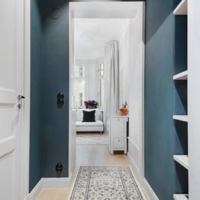 длинный узкий коридор в квартире фото декора