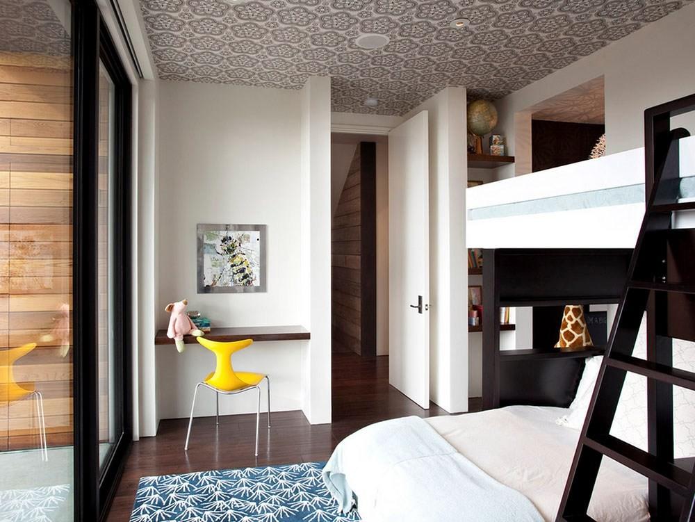 Детская двухъярусная кровать в однокомнатной квартире