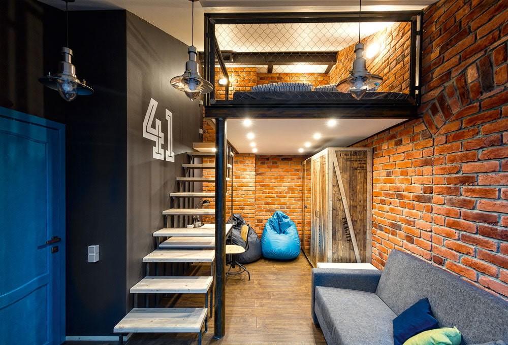 Двухъярусный лофт в квартире-студии