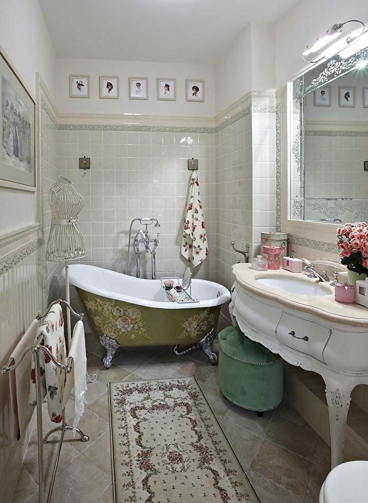 Ретро-ванна на фигурных ножках