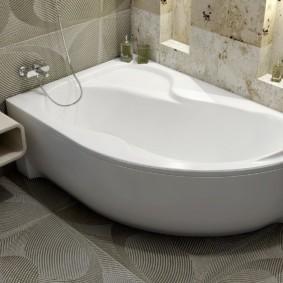 Ванная комната с нишами в стене