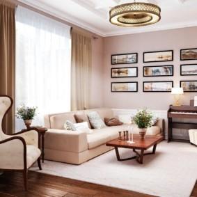 Светлый ковер на полу в гостиной