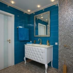 Синяя плитка прямоугольной формы