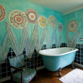 Роспись мозаикой стен ванной комнаты