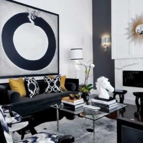Абстракция в интерьере современной гостиной