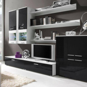 Черный фасады современной мебели