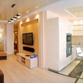 Кухня и гостиная в квартире