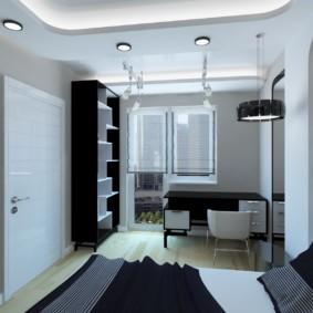 Маленткая комната в квартире с балконом