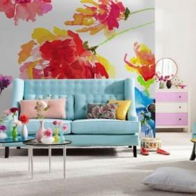 Прямой диван с обивкой бирюзового цвета