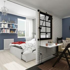 Окно в межкомнатной перегородке квартиры студии