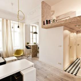 Двухъярусная квартира в светлых тонах