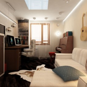 Гитара на стене в спальном помещении
