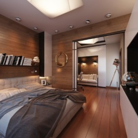 Деревянный пол коричневого цвета