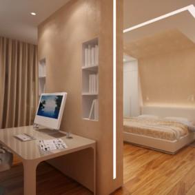 Рабочий стол за перегородкой в спальне