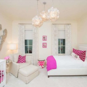 Розовые акценты в дизайне спальни