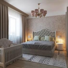 Классическая спальня для родителе и ребенка