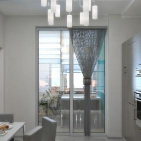 Стеклянная дверь на балконе квартиры