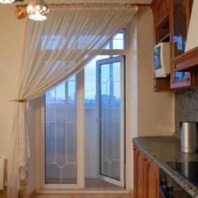 Легкая штора из прозрачной ткани