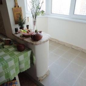 Скатерть в клетку на кухонном столе