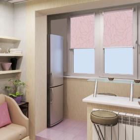 Розовые рулонные шторы на пластиковых окнах